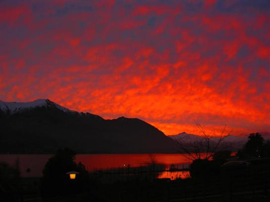 sunset in wanaka