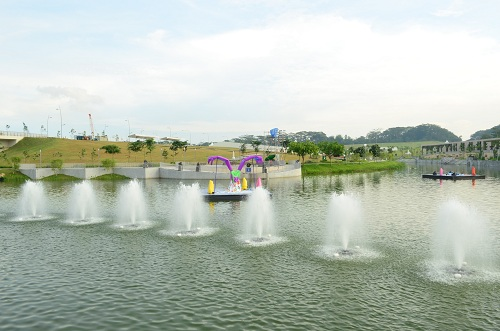 punggol waterway water fountains